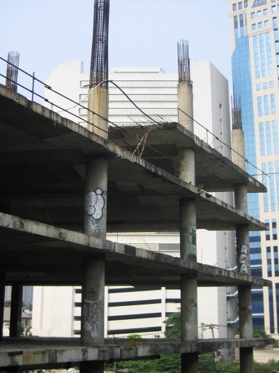 Abandoned construction, Bangkok, Thailand, approximately Sukhumvit and Soi 8, 2 December 2006