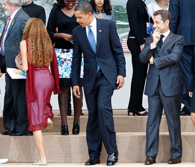 G8 Summit, President Obama and Brazilian Junior Delegate Mayora Taveres, 10 July 2009